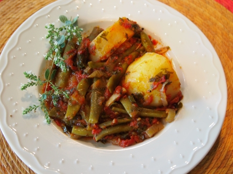 Greek-style Green Beans - Fassolakia Ladera